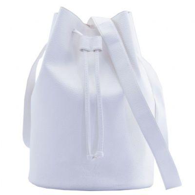 PVChic - Bolsa saco, fabricada no processo de costura eletrônica (solda eletrônica). Mede 26 cm de altura x 18,5 cm de diâmetro e é confeccionada em sintético...
