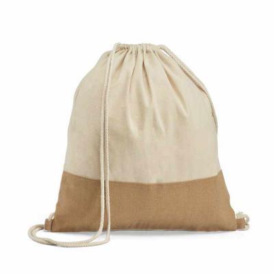 Line Brindes - Sacola tipo mochila. 100% algodão: 160 g/m². Detalhe em juta. Alças em algodão de 65 cm. 370 x 410 mm
