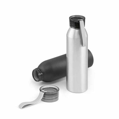 Line Brindes - Squeeze. Alumínio. Com fita em silicone. Capacidade: 660 ml. Food grade. Caixa branca 94651 vendida opcionalmente. Ø65 x 228 mm
