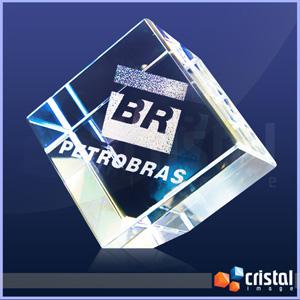 Cristal Image - Cubo Personalizado em Cristal com gravação interna 2D ou 3D. Gravação feita diretamente no interior da peça com tecnologia laser. Medidas: 50 X 50 X 5...