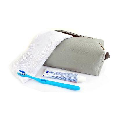 Promoaxis - Kit higiene bucal, contendo necessaire, toalha de mao, escova e pasta de dente