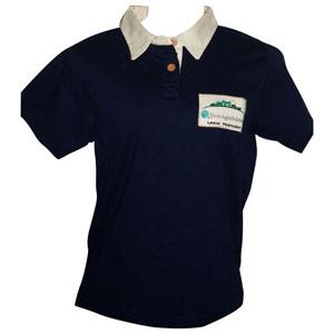 Stantex Soluções Têxteis - Camisa polo em algodão com detalhes na gola e bordado personalizado.