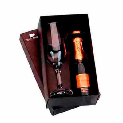 Pratic Brindes - Kit Chandon Baby de 187ml, acompanha 1 taça champanhe Gallant personalizado a laser, caixa cartonada na cor preto personalizado 1 cor em tampografia e...