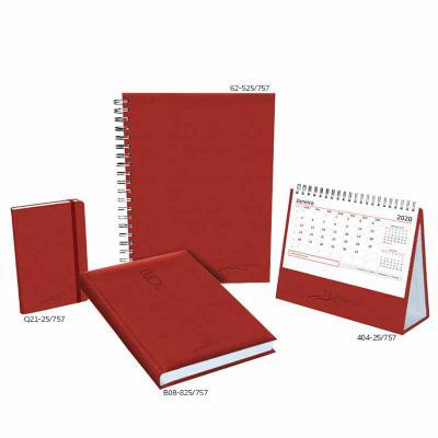 POMBO - COMBO POMBO 625-Caderno: formato 168 x 240 mm, papel branco, 192 páginas, impressão em 2 cores, furação quadrada e wire-o prata. B08-Agenda: formato 1...