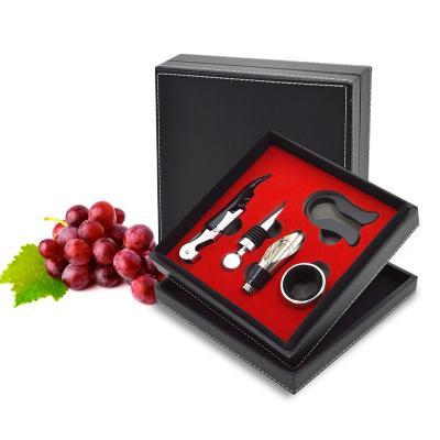 Maggenta  Produtos Promocionais - Kit Vinho com 5 peças Personalizado 1