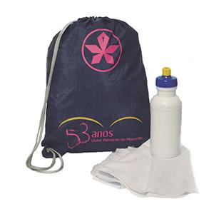 Club Brindes - Kit Fitness- Contem : Mochila saco, squeeze plástico 500 ml e toalha fitness. Personalizado