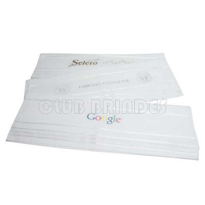 Club Brindes - Toalha de Banho 100% Algodão. . Gravação da logomarca em 1 cor em Silk já incluso.  Tamanho: 70 cm X 1,30 m. 380 gramas.