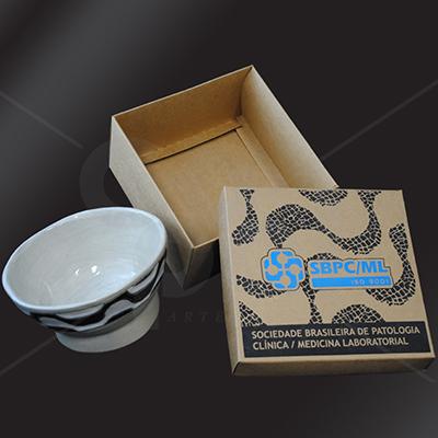 Craft House Brasil - Caixa cartonada em cartão kraft com impressão em silk.