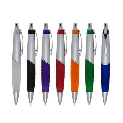 MDM Brindes - Caneta Plástica prata com detalhes coloridos. Disponível em diversas cores. Gravação Silk ou Tampografia.