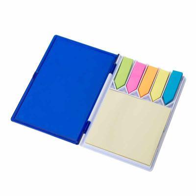 MDM Brindes - Bloco de anotações com sticky-notes material em plástico resistente, aproximadamente 100 páginas. Disponível nas cores azul, vermelho e preto. Gravaçã...