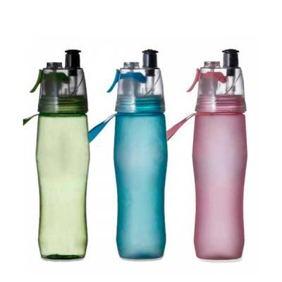 MDM Brindes - Squeeze plástico 700ml brilhante com borrifador. Possui tampa plástica resistente(transparente), para uso basta levantar o bico e utilização do borrif...