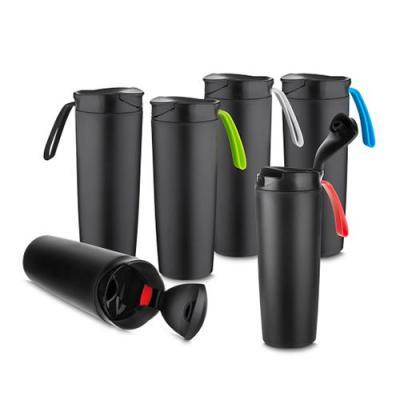 Ewox Promocional - Copo plástico anti queda 400ml de pintura preto fosco com alça emborrachada colorida. Tampa rosqueável com abertura de bocal, parte inferior do produt...