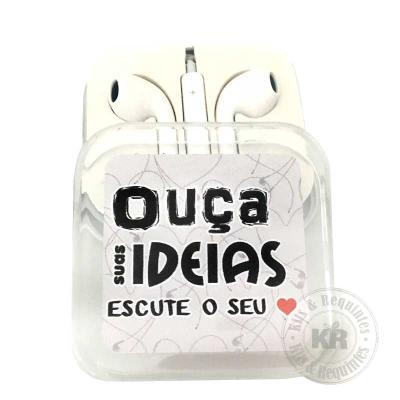 """Kits & Requintes - Fone de Ouvido (branco) Personalizado com adesivo (""""Ouça suas ideias, Escute seu coração) decorado com fita colorida. O modelo pode alterar conforme d..."""