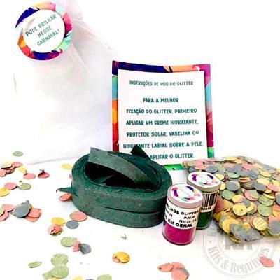 Kits & Requintes - Composto por saco de organiza (tamanho: 15cm L x21cm A), contendo 2 rolos de serpentina, confete e 2 glitters personalizados nas tampas, card com inst...