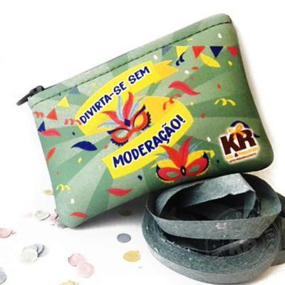 Kits & Requintes - Mini Necessaire em Neoplex personalizada (11cm L x 8cm A) contendo: confete e 2 rolos de serpentina. Opção contendo contendo 1 anti-ácido (consulte pr...