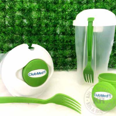 Kits & Requintes - Caneca de porcelana (220ml) personalizada embalada com celofane, fita e tag personalizada.