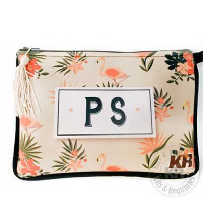 Kits & Requintes - Necessaire Neoprene personalizada. Acompanha pingente e tag personalizado. Tamanho: 22cm L X 15cm A.