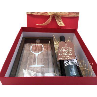 Kits & Requintes - Kit natalino com porta-rolhas personalizado e vinho.