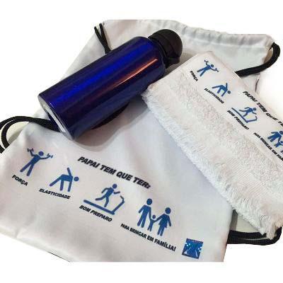 Kits & Requintes - Mochila personalizada com toalha e squeeze.