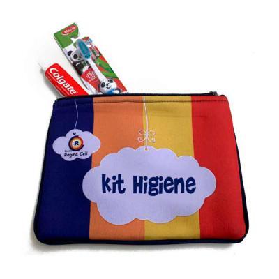 Kits & Requintes - Necessaire de neoprene impermeável personalizada, acompanha pasta, escova e fio dental.  - Dia das crianças, kit dia as crianças, higiene Sem acessóri...