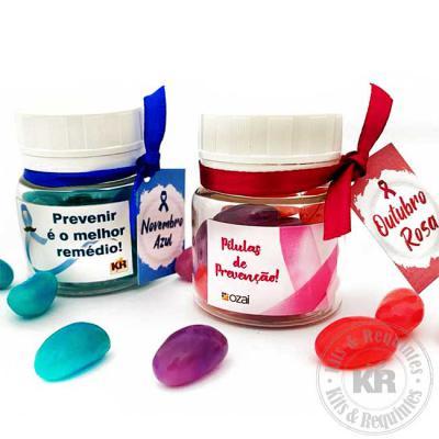 kits-e-requintes - Potinho de plástico personalizado com 50g de confete de chocolate e bala deliket.