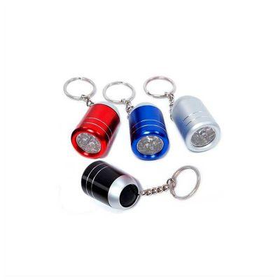 No Ato Brindes - Chaveiro com lanterna. produzido em metal, acompanha 2 pilhas alcalinas AA e tem personalização da logo em laser, cores variadas