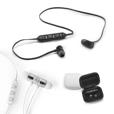 Direct Brindes Personalizados - Fone de ouvido. PC. Magnético. Com transmissão por bluetooth. Autonomia até 3 horas. Função para atender chamadas, controle de volume e conexão à play...