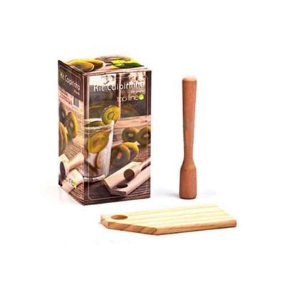Direct Brindes Personalizados - Kit caipirinha 3 peças. Produto ecologicamente correto feito com madeira de reflorestamento. Contém: 01 copo de vidro 400 ml, 01 prancha de madeira e...