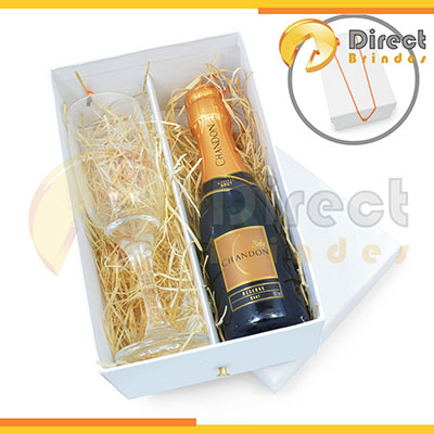 Direct Brindes Personalizados - Kit Chandon Baby personalizado para dar de brinde.
