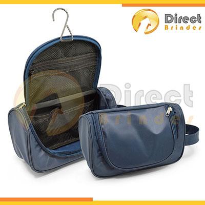Direct Brindes Personalizados - Nécessaire cabideira divisórias internas em tela. Possui gancho de metal, confeccionada em nylon plastificado. Personalizada em silk screen