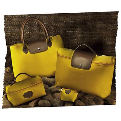 UP Couro - Kit feminino, em couro ou sintético com detalhes em nylon, com: pasta, sacola, porta níquel e necessaire