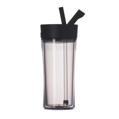 Canarinho Brindes - Copo plástico 500ml com tampa de bico. Material plástico cinza translúcido resistente e rígido, possui tampa rosqueável plástica na cor preta com supo...