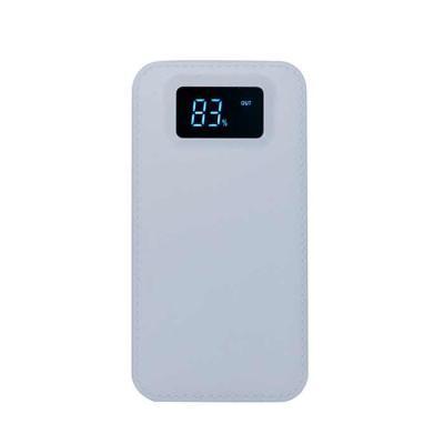 Canarinho Brindes - Power bank plástico com visor digital. Material plástico resistente com texturização semelhante à couro sintético, possui botão lateral para ligar e d...