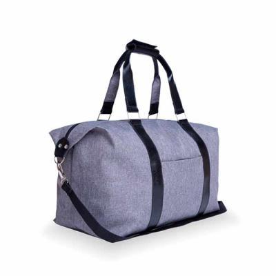 Alvo Couros - Com visual moderno, a bolsa de viagem em nylon com detalhes em couro é perfeita para carregar tudo o que for necessário para você. Possui alças de mão...