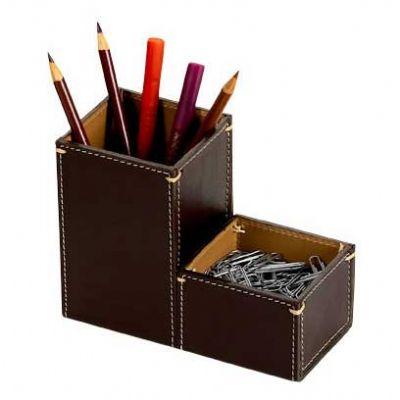 Alvo Couros - Organizador de mesa em couro com espaço para porta canetas e clips.