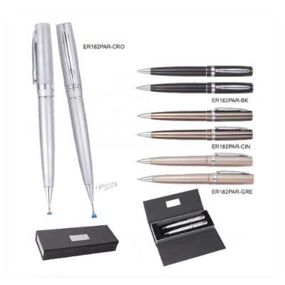 BrinClass - Conjunto de caneta, lapiseira e estojo.