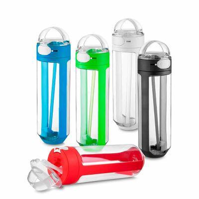 3RC Brindes - Garrafa plástica 770 ml com bico e trava de segurança. Garrafa transparente com detalhes coloridos, tampa com alça para transporte, trava de segurança...