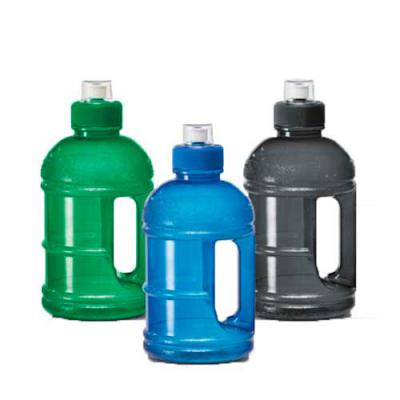 Diferente Mente Brindes - Squeeze formato galão. PETG. Capacidade: 1.250 ml. Food grade. Tamanho: ø110 x 230 mm