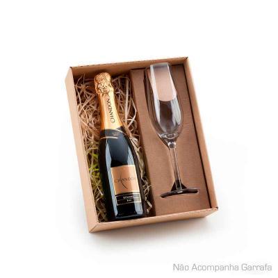 BTM Brindes - Kit champanhe com 01 taça de vidro 210ml e espaço para garrafa até 375ml (Não acompanha bebida). PESO (KG): 0,330 MATERIAL: Vidro EMBALAGEM: Caixa pre...