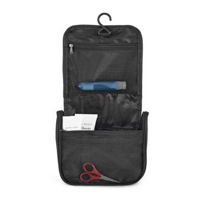 BTM Brindes - Nécessaire. Microfibra. Com vários bolsos interiores e gancho de pendurar. 200 x 160 x 85 mm