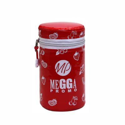 Megga Promo - Produzida no PVC Brilho 020 mm color, PVC Leitoso 018 mm (forro), zíper nylon, cursor niquelado, espuma térmica. Medidas, 10 cm de diâmetro x 16 cm de...