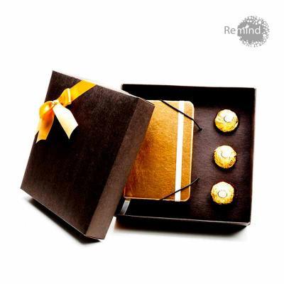 Remind Brindes Inteligentes - Kit Caderneta Tipo Italiana com Aroma de Chocolate e 3 Bombons Ferrero Rocher - Linha Clássica