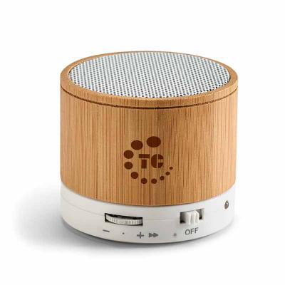 Brindes de Luxo - Caixa de som com microfone de bambu. Com transmissão por bluetooth, ligação stereo 3,5 mm e leitor de cartões TF. Autonomia até 3h. Capacidade: 300mAh...