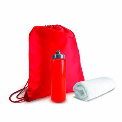 """Brindes de Luxo - Kit para academia personalizado com sacola tipo mochila em nylon 210D 41x35cm, garrafa de água tipo """"Squeezie"""" com 750ml e toalha branca (poliéster e..."""