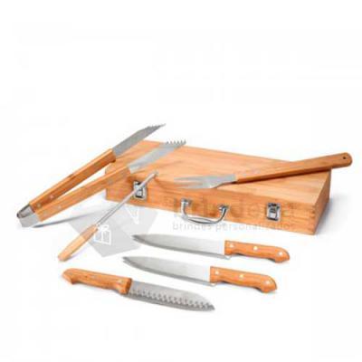 Brinderia Brindes - Kit churrasco Aço inox e bambu 6 peças em estojo de bambu. Food grade. Estojo: 45,5 x 16,0 x 0,65 mm