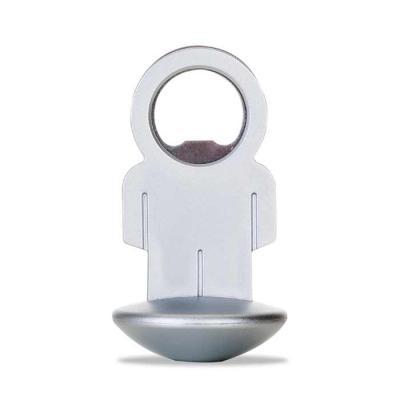 MR Cooler - Abridor de garrafa formato homem, material plástico resistente com peso na base circular, possibilitando o movimento da peça.