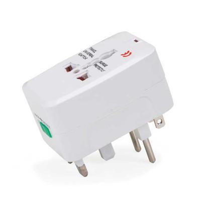 MR Cooler - Adaptador universal branco em plástico resistente.Possui plug EUROPE: para uso basta puxar a tomada cental, para guardar empurrar para dentro. Plug UK...