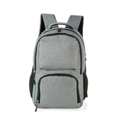 MR Cooler - Mochila cinza em Nylon com compartimento para notebook e detalhes neoprene. Possui compartimento grande com bolso interno; compartimento médio com bol...