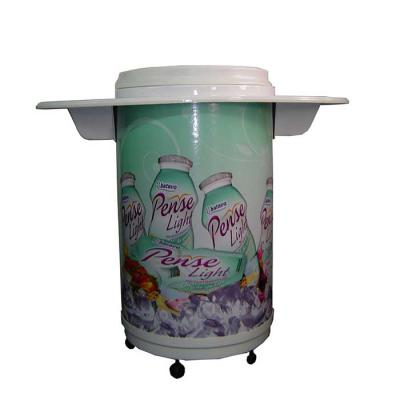 MR Cooler - Cooler Balcão Personalizado 75/100 latas c/ rodizios, cuba moldada em poliestileno (PSAI) de alto impacto. Isolante térmico de isopor prensado com 60...