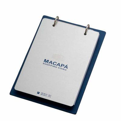 Vintore Brindes Especiais - Capa Aluminio: 130 x 165 mm, contra capa cartão revestido com papeis especiais. Miolo: 85 x 140 mm 100 folhas, papel off-set, acabamento em Wire-o. Fo...